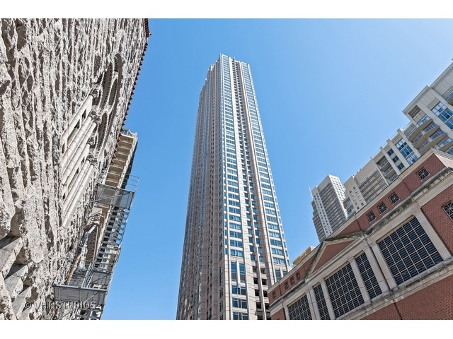 33 W Ontario Unit 23A Chicago