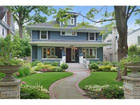 523 Greenleaf Ave Wilmette